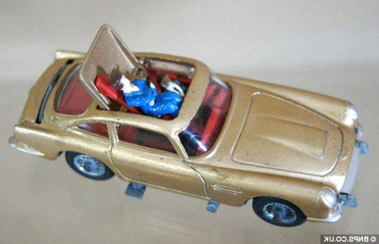 007 corgi cars for sale