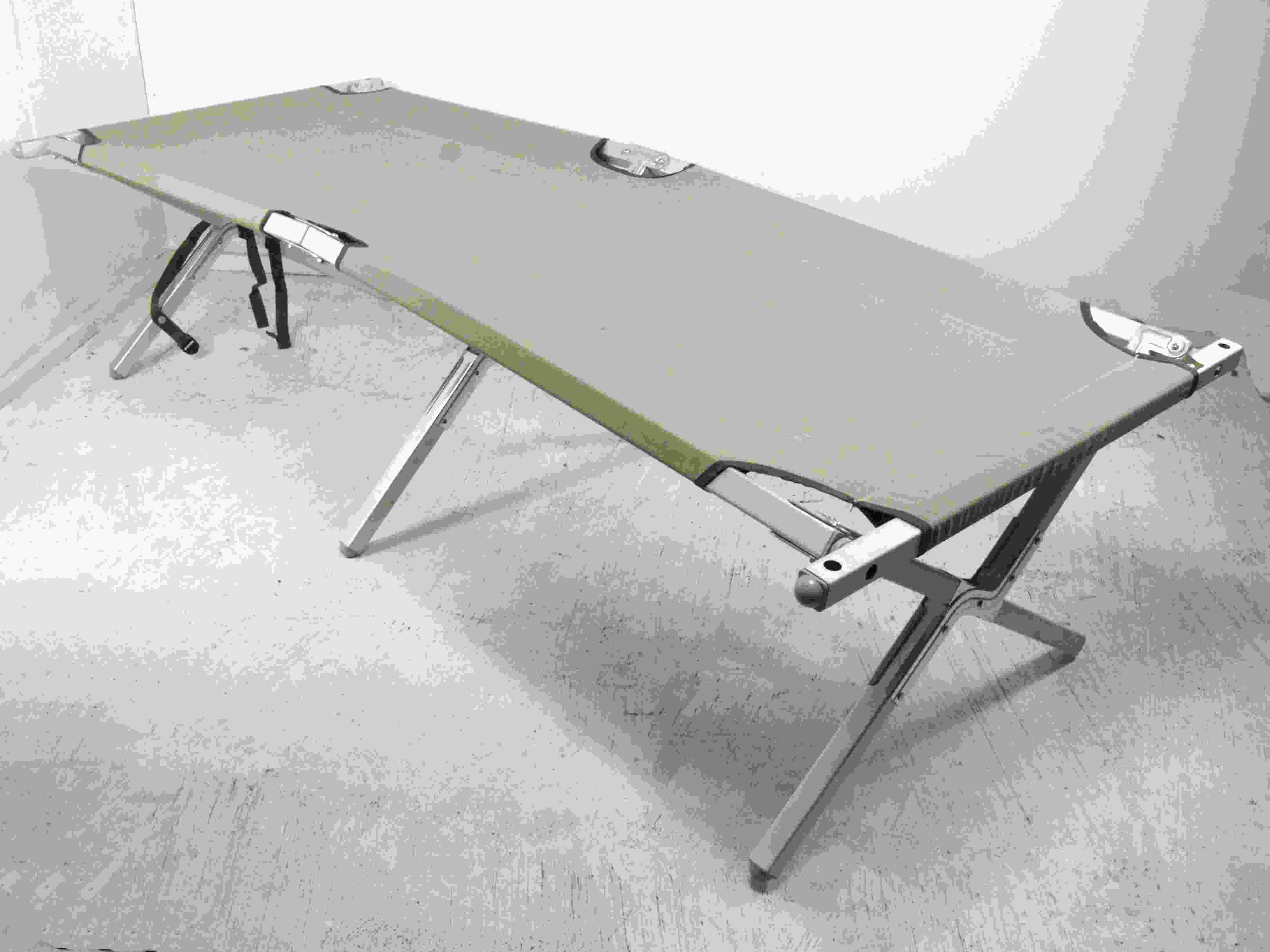 Olive Green Army Style Steel Frame Highlander Camp Bed