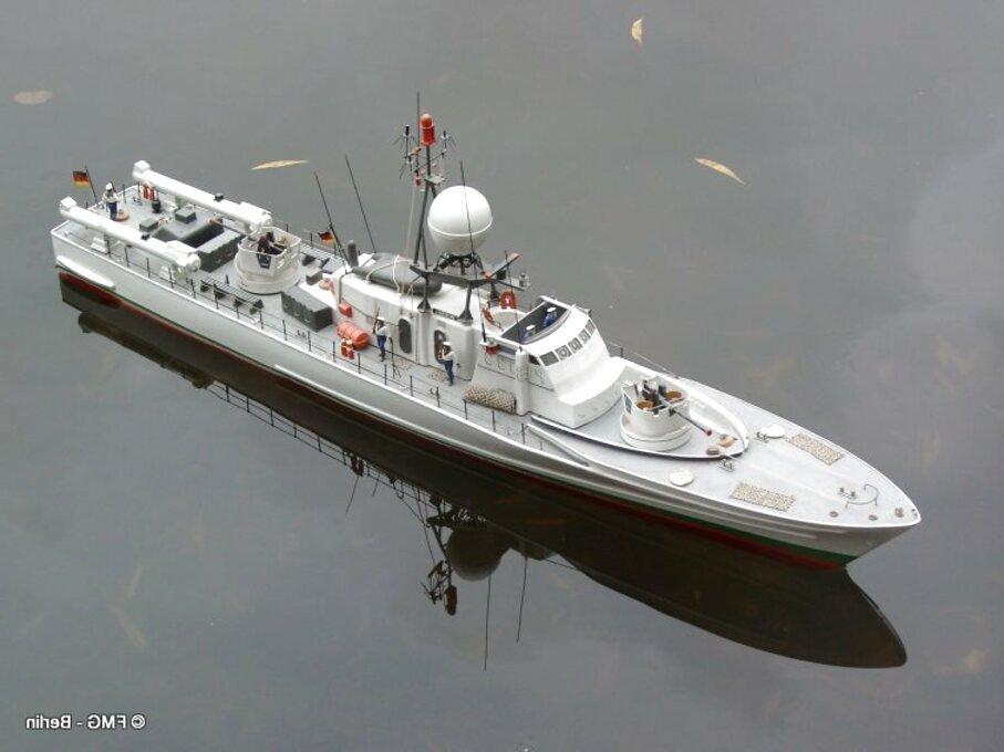 555603 Italeri Schnellboot Typ S-100 Model Rectifier Corp