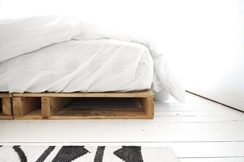 Single Sprung Bed Base with Wooden Feet 220cm x 83cm